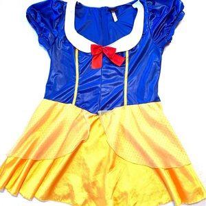 Torrid Snow White Costume. Torrid 3/4 or 3X/4X